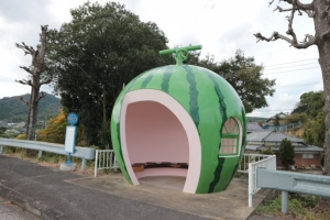 japanese-fruits-bus-stop